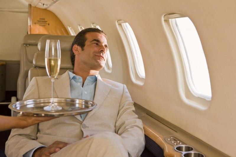 человек в самолете
