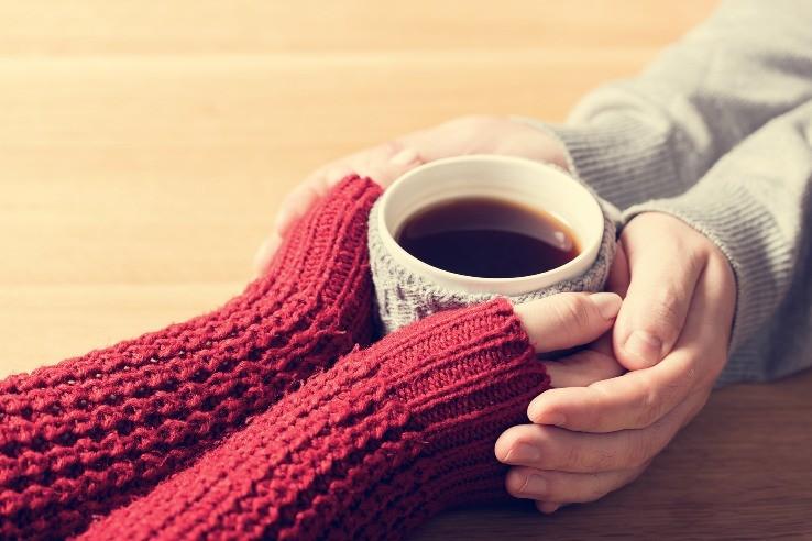 кофе, теплые руки, согреть ладони
