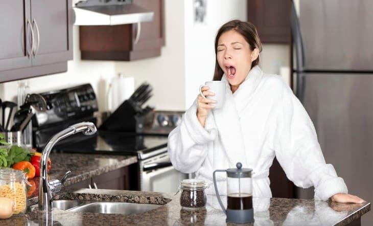 кофе помогает избавиться от сонливости