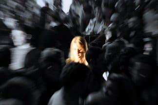одиночество и страх в толпе