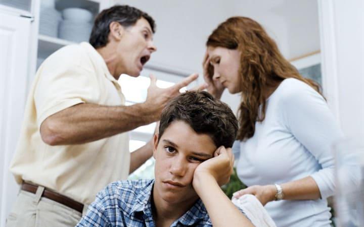 скандал в семье как причины невроза