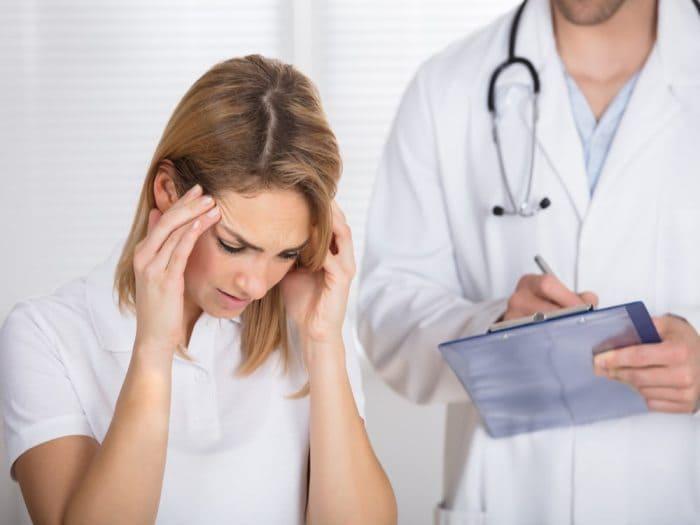обратиться к врачу с головной болью