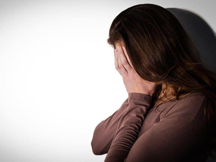 девушка, депрессия, плачь