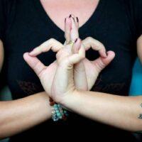 Мудры для здоровья сердца – быстрая самопомощь при аритмии, тахикардии, стенокардии