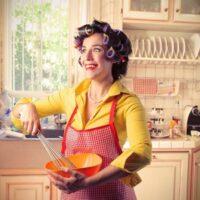 Место женщины на кухне – почему следует остерегаться мужчин с явно выраженным «домостроем головного мозга»