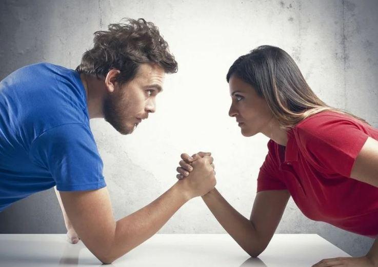 мужчина и женщина соперники