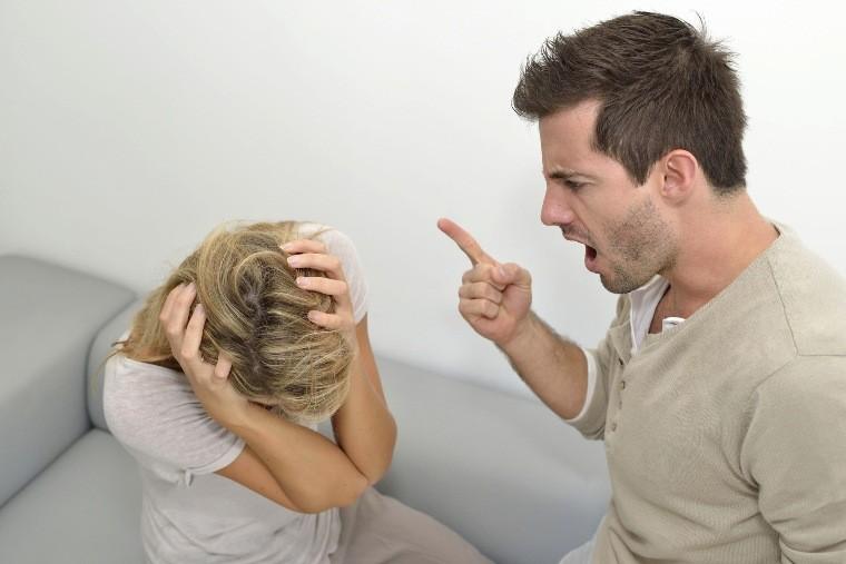 муж раздражителен