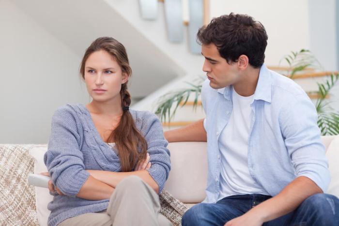 жена обижается на мужа