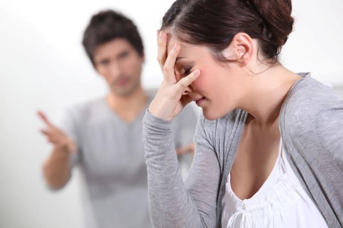 обижаться на мужа